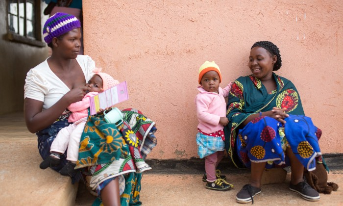 Medical workers from Chikuni Mission Hospital hold a pregnant mothers and children under 5 clinic in a rural area of Zambia (Bread for the World, 2015)