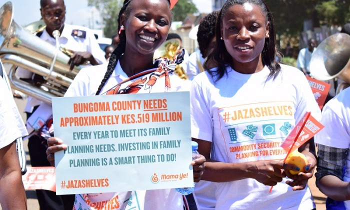 Campaigning for access to family planning methods in Kenya
